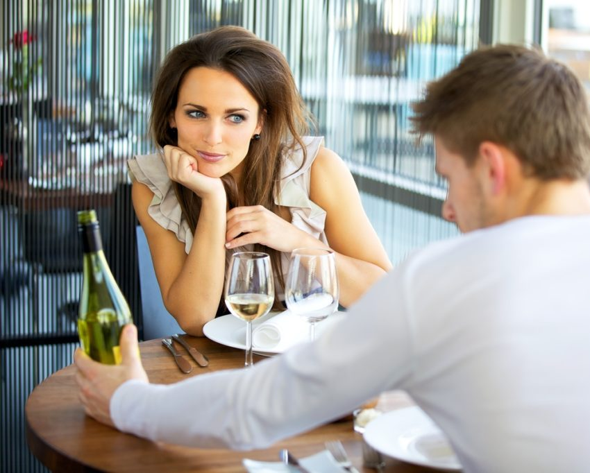 What to say on a first date with a girl